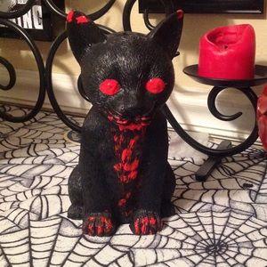 """Accessories - """"Thirst"""" cat figure"""
