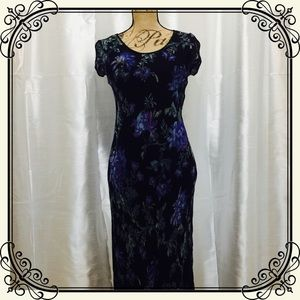 Nostalgia Dresses & Skirts - Crepe/chiffon floral maxi dress w/ ruffle hem