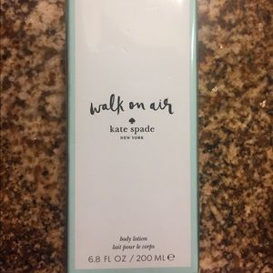 Kate Spade Walking on Air Body Lotion
