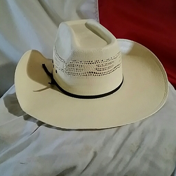 ac05a5ae9f3 cavenders Other - Cavenders straw hat