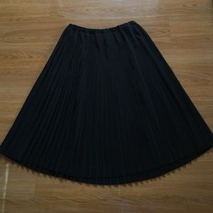 Vintage black pleated skirt