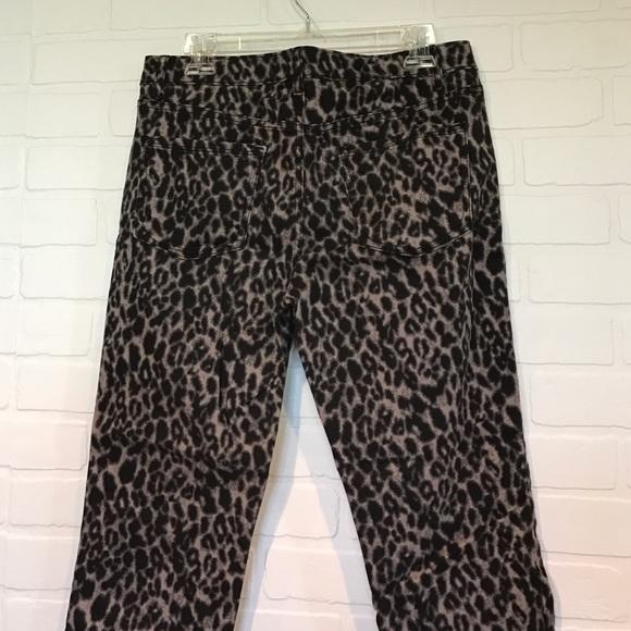 Apt. 9 Pants - Leopard print straight leg Capri pants 10