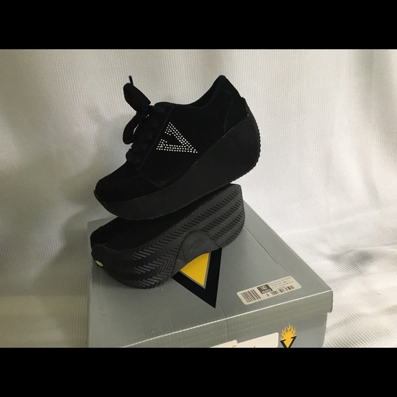 ace0071bf1 Brand New Volatile Elevation Sneaker!