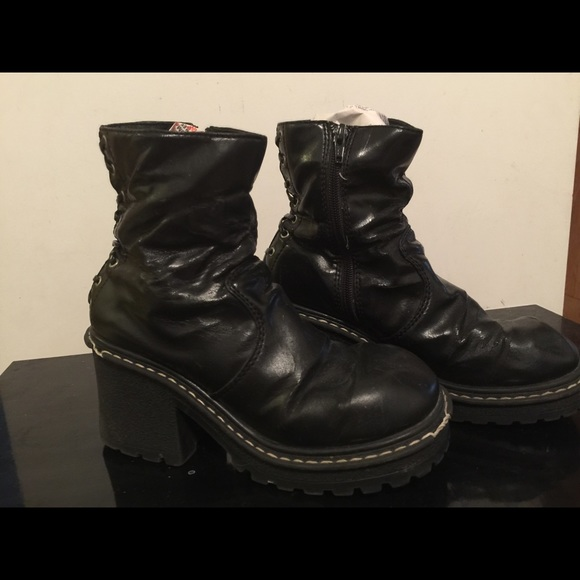0e217758918a Black LEI Boots size 8 in used condition