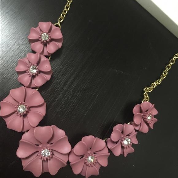 Hm jewelry brand new hm mauve pink flower necklace poshmark brand new hm mauve pink flower necklace mightylinksfo