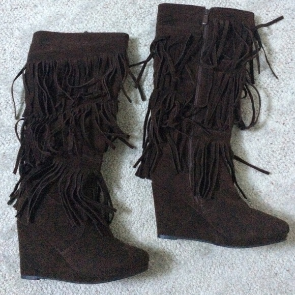 75 steve madden shoes brown fringed wedge boots