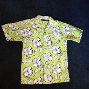 NWOT Hawaiian boy's button down short sleeve shirt