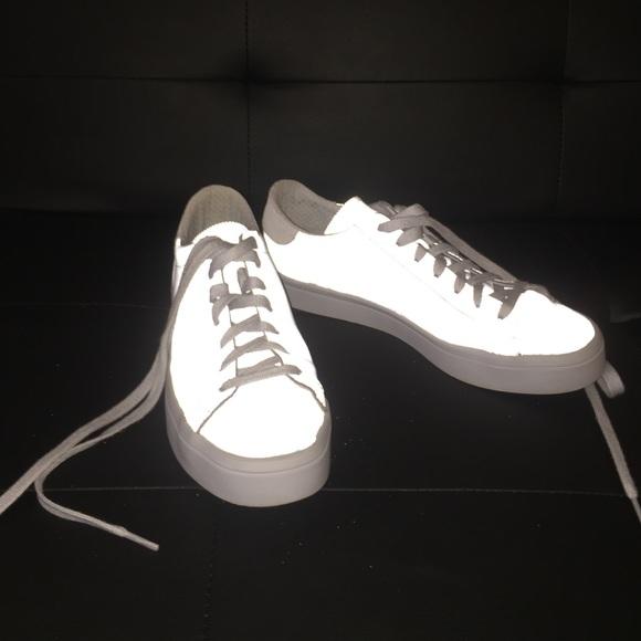 le adidas le scarpe poshmark