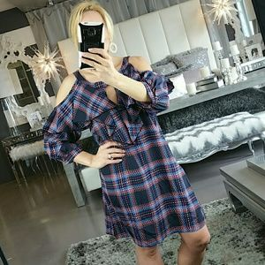 Dresses & Skirts - Plaid print cold shoulder dress NWOT