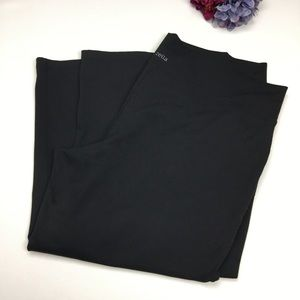 Black Zella Capri Yoga Pants