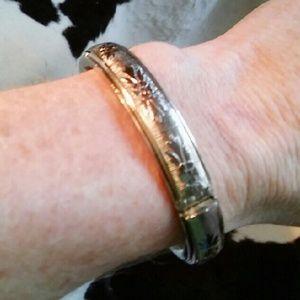 Silver hinged bangle bracelet