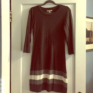 ❤️️❤️️Cute stretchy BR sweater dress. 3/4 sleeves