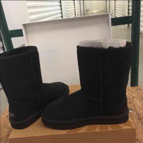 2b7ab0b4de3 NWT black classic short winter women's ugg boots NWT