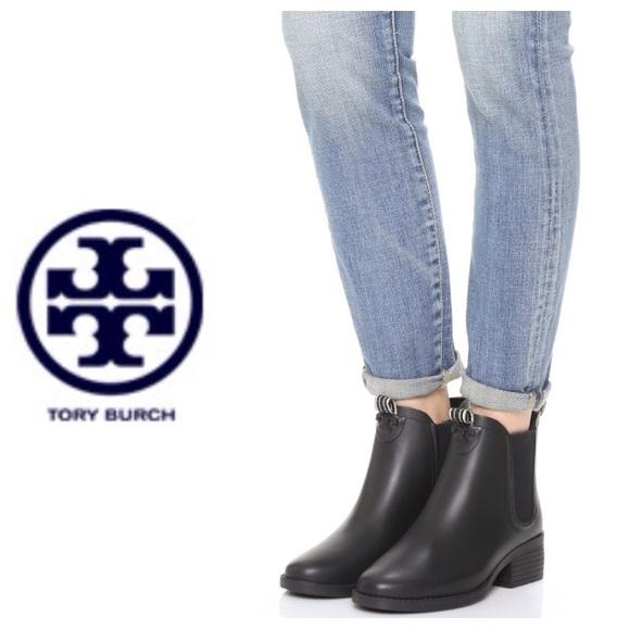 73b5f06e2fda Tory Burch Chelsea rain boots- black. M 5832238a3c6f9f763408aaf2