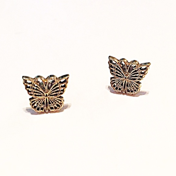 Jewelry - 🌎👂🏼Gold Tone Carved Butterfly Post Earrings