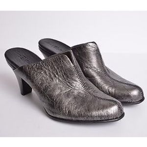 Born Pewter Leather Mule Clog 9 Black Heel Slide