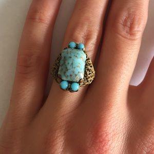 Jewelry - Antique ring with metal and stone