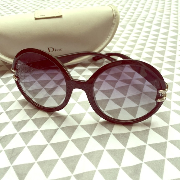 398b657f8173c Christian Dior Accessories - Christian Dior Round Frame Sunglasses Oversized