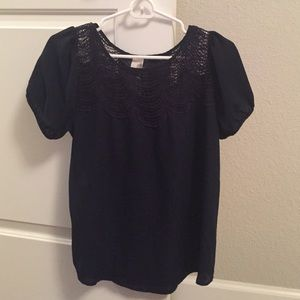 Tops - Loose fitting tee-shirt blouse.