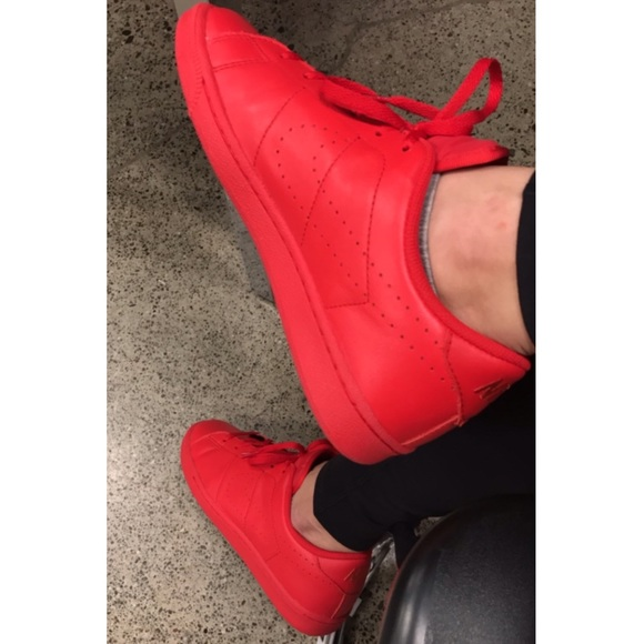 outlet store f7d71 bbca9 Brand new Nike tennis classic in all red.