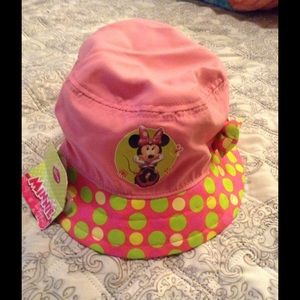 Other - Minnie Mouse Bucket hat