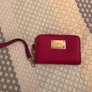 Michael Kors Bags - Michael Kors Wallet Wristlet