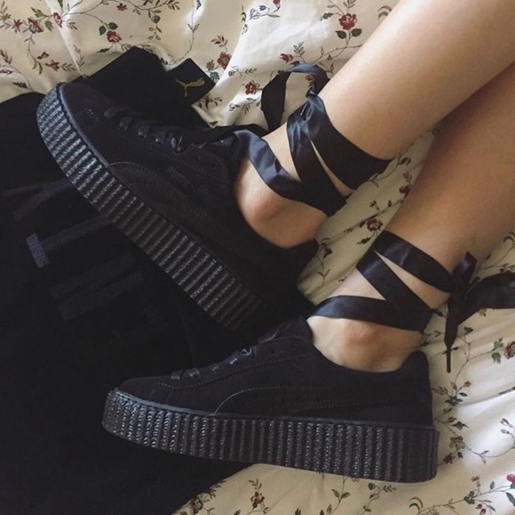 wholesale dealer f2441 27b6c Puma Fenty creepers in all black NWT