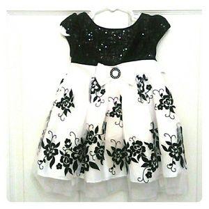 Youngland Other - Youngland Black & White Satin Bodice Dress