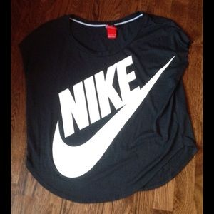 Nike Tops - ✨TODAY ONLY✨Nike oversized workout Tshirt