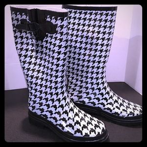 Shoes - Houndstooth Rain Boots