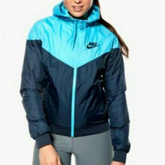 Women s Nike Windrunner ColorBlock jacket. M 583269187f0a05860909b8af 01e305cd71