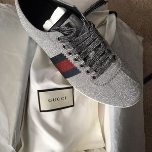 245fe43b9491 Gucci Shoes - AMAZING! Gucci glitter sneaker with Studs