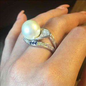 Jewelry - Pearl and Crystal Ring
