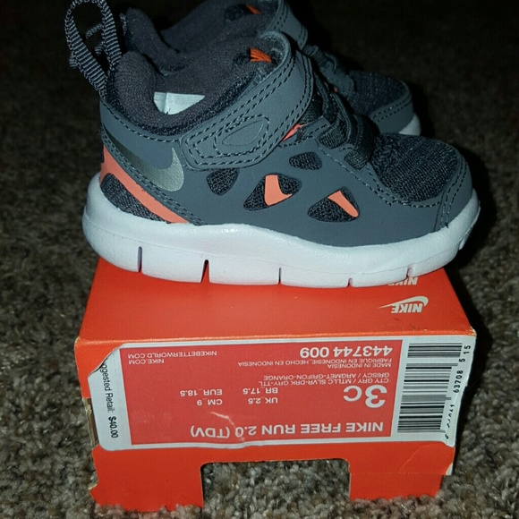 huge discount 117b3 94e19 🎉SALE!🎉 NIB Nike Free Run 2.0 size 3c NWT