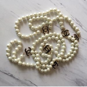 Jewelry - Last one Long pearl designer logo necklace jewelry