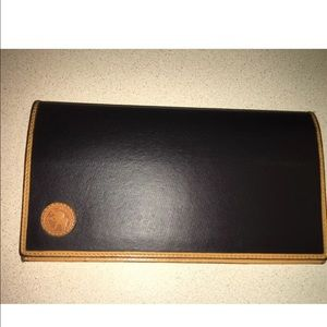 Authentic hunting world card/check holder