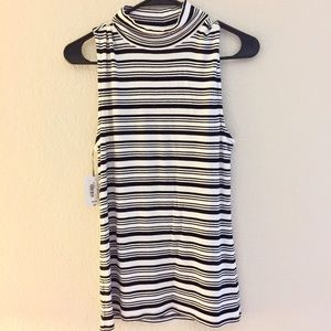 Ribbed black and white stripes turtle neck top