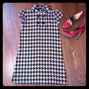 Dresses & Skirts - Houndstooth Shift Dress