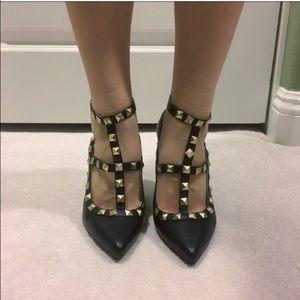 Black straps studs pointy heels pumps Valentino