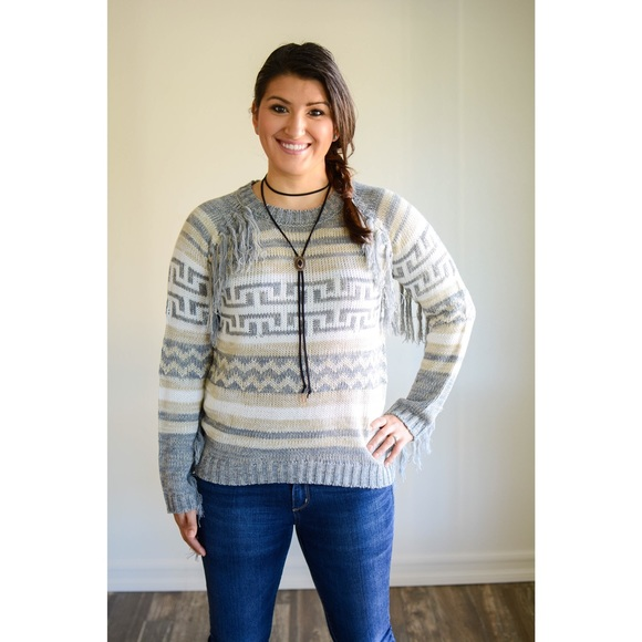 Blu Pepper Sweaters - 🎉Sweater sale!🎉🌵Tribal fringe boho sweater🌵