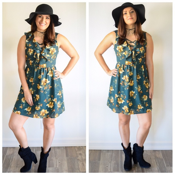 Free People Dresses - 🔥FLASH SALE🔥🌵Floral Country Festival Dress🌵