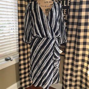 Donna Morgan Dresses & Skirts - NWT Navy & white Faux wrap dress
