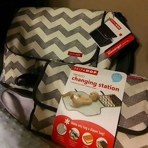 Skip Hop Accessories - Skip Hop Diaper Bag and Pronto Changing Station