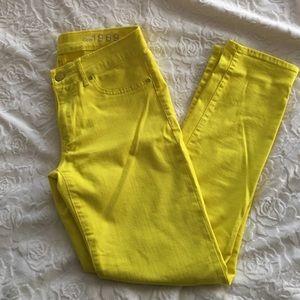 Gap VERY yellow skinny legging jean