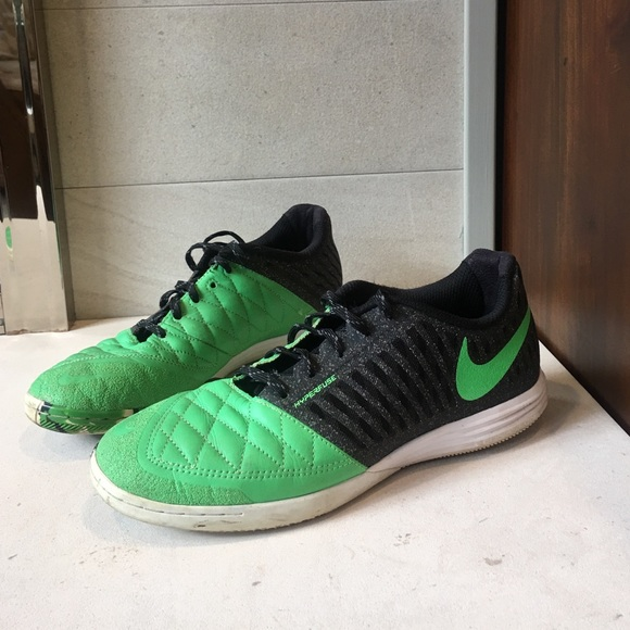 check out bcf17 b021f Nike FC247 Lunar Gato II Indoor soccer shoes. M 58333a64a88e7d71270019fc