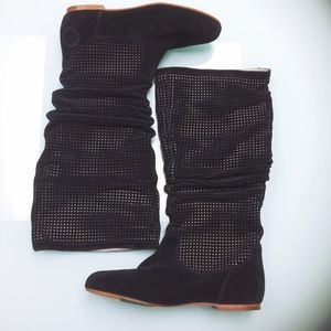 UGG Abilene NWOT Perforated Leather Slouch Boots
