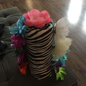 Other - Headband holder with 13 additional bows included