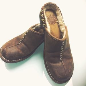 UGG Kohala Clogs in Brown Leather