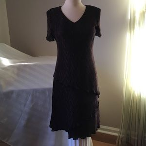 Connected apparel Dresses & Skirts - Slinky Accordion layered Dress Sz 6