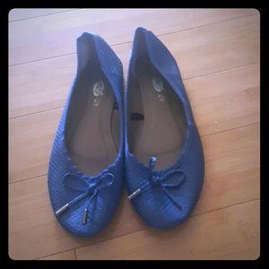 Blue faux leather flats